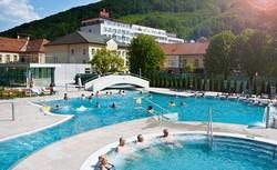 bazén v Trenčianských Tepliciach